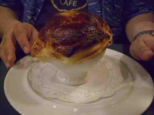 赤座えびのビスクスープ、パイ包み焼き