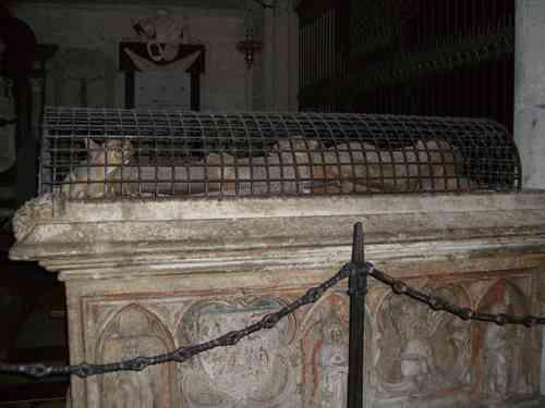 ケルン大聖堂の中3
